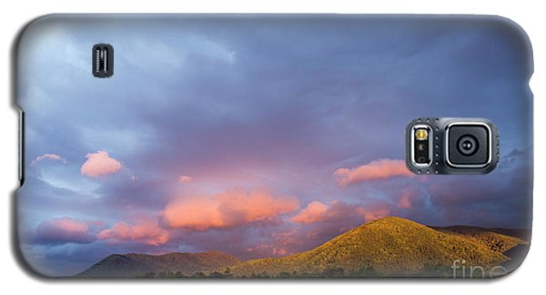 Galaxy S5 Case featuring the photograph Evening In Cades Cove - D009913 by Daniel Dempster