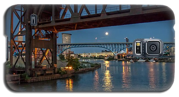 Galaxy S5 Case featuring the photograph Evening On The Cuyahoga River by Brent Durken