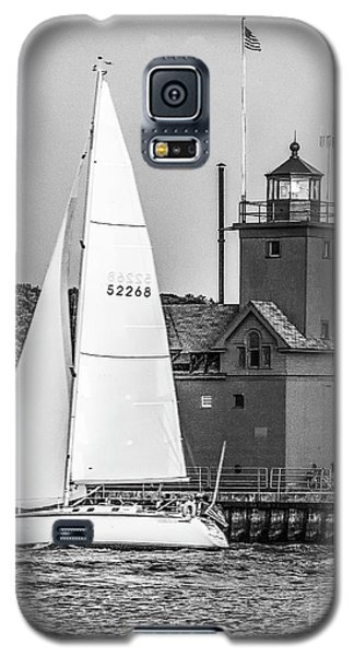 Evening Sail At Holland Light - Bw Galaxy S5 Case