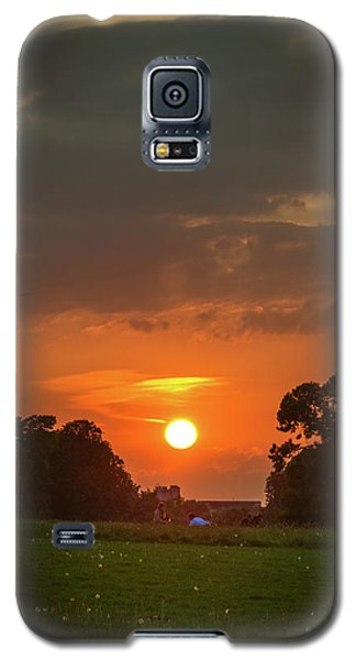 Evening Sun Over Picnic Galaxy S5 Case