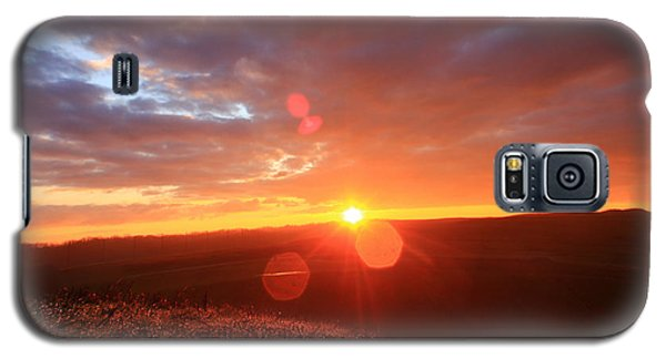 Galaxy S5 Case featuring the photograph Explore More by Everett Houser