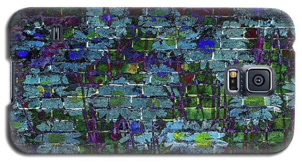 Extraordinary Blue Daisies Graffiti On A Brick Wall Galaxy S5 Case