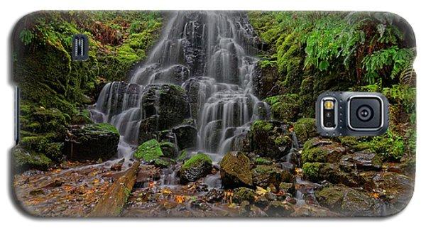 Galaxy S5 Case featuring the photograph Fairy Falls by Jonathan Davison