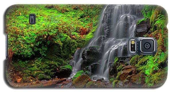 Galaxy S5 Case featuring the photograph Fairy Falls Oregon by Jonathan Davison