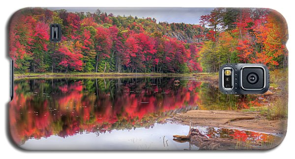 Galaxy S5 Case featuring the photograph Fall Color At The Pond by David Patterson