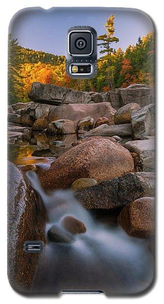 Fall Foliage In New Hampshire Swift River Galaxy S5 Case