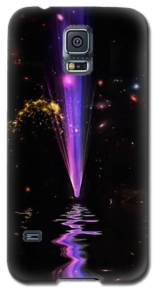 Galaxy S5 Case featuring the photograph Fall From Grace by Naomi Burgess