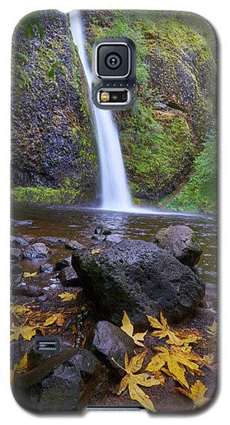 Galaxy S5 Case featuring the photograph Fall Gorge by Jonathan Davison