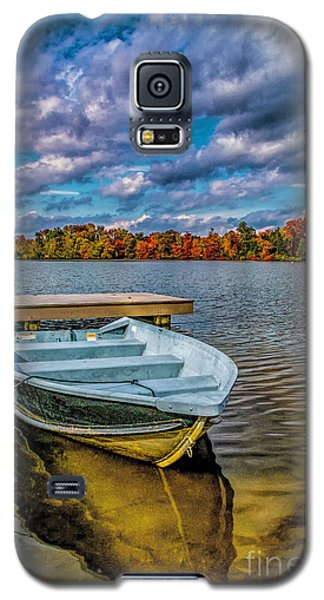 Galaxy S5 Case featuring the photograph Fall On Alloway Lake by Nick Zelinsky