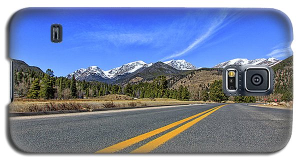 Fall River Road With Mountain Background Galaxy S5 Case