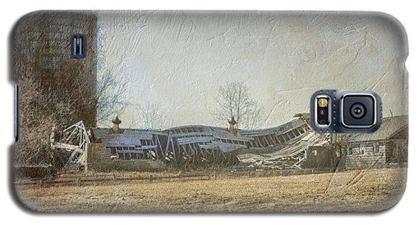 Fallen Barn  Galaxy S5 Case
