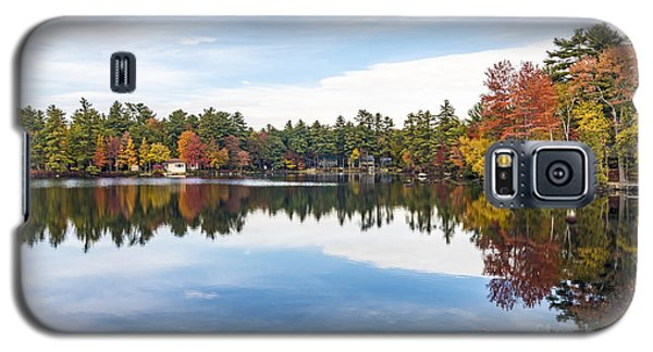 Galaxy S5 Case featuring the photograph Falling For New Hampshire by Anthony Baatz