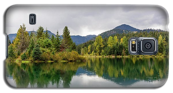 Falls Colors In Gold Creek Pond Galaxy S5 Case