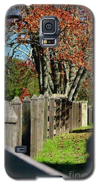 Galaxy S5 Case featuring the photograph Familiar Fall by Lori Mellen-Pagliaro