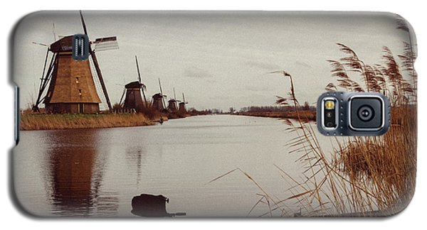 Famous Windmills At Kinderdijk, Netherlands Galaxy S5 Case