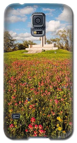 Fannin Monument And Memorial With Wildflowers In Goliad - Coastal Bend South Texas Galaxy S5 Case