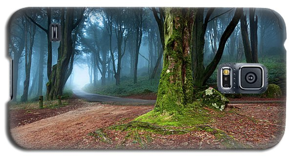 Galaxy S5 Case featuring the photograph Fantasy by Jorge Maia