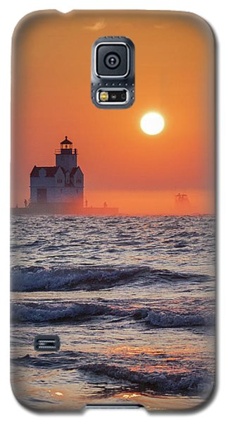 Galaxy S5 Case featuring the photograph Fare Thee Well by Bill Pevlor