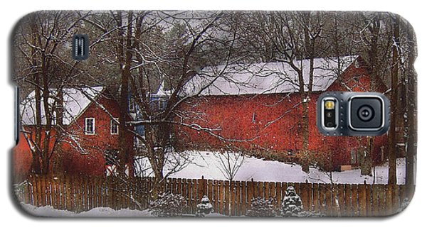Farm - Barn - Winter In The Country  Galaxy S5 Case by Mike Savad