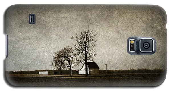 Galaxy S5 Case featuring the photograph Farm by Cynthia Lassiter