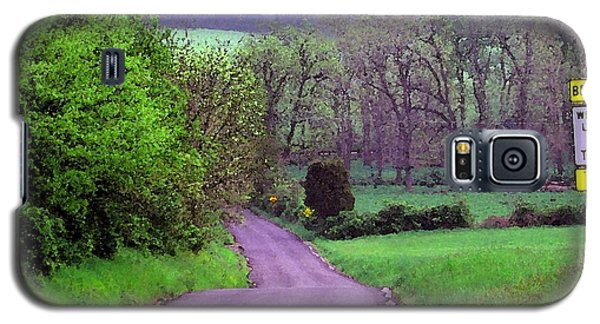 Galaxy S5 Case featuring the photograph Farm Road by Susan Carella