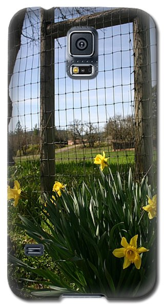 Galaxy S5 Case featuring the photograph Fence With A View by Marie Neder