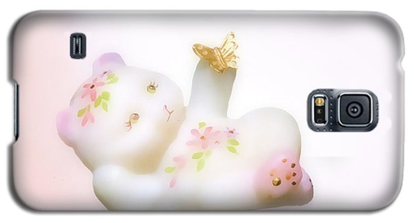 Galaxy S5 Case featuring the photograph Fenton Art Glass Bear by Linda Phelps