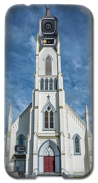 Galaxy S5 Case featuring the photograph Ferndale Catholic Church by Greg Nyquist