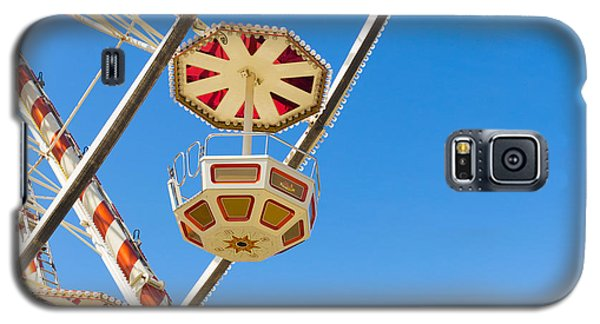Galaxy S5 Case featuring the photograph Ferris Wheel Cars In Toulouse by Semmick Photo