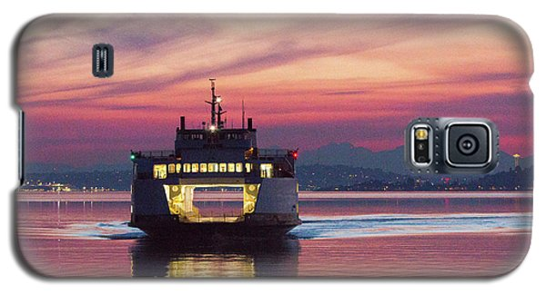 Ferry Issaquah Docking At Dawn Galaxy S5 Case
