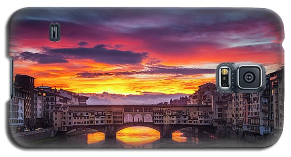 Galaxy S5 Case featuring the photograph Fiery Sunrise Over Ponte Vecchio by Andrew Soundarajan