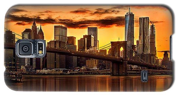 Fiery Sunset Over Manhattan  Galaxy S5 Case by Az Jackson