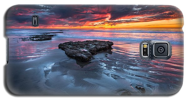 Galaxy S5 Case featuring the photograph Fiery Tabletop by Alexander Kunz