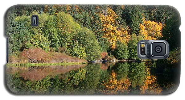 Galaxy S5 Case featuring the photograph Final Reflection by Larry Keahey