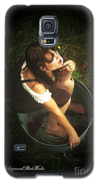 Galaxy S5 Case featuring the photograph Fine Wine by Tbone Oliver