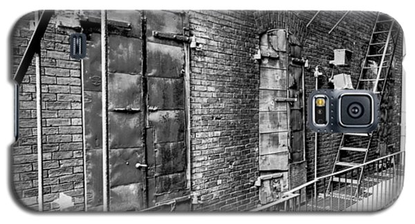 Fire Escape And Doors Galaxy S5 Case