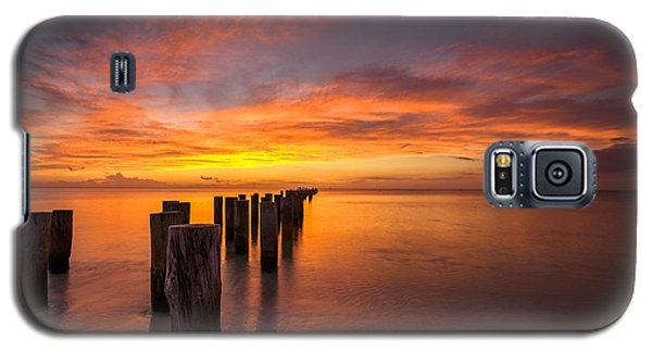 Fire In The Sky Galaxy S5 Case by Mike Lang