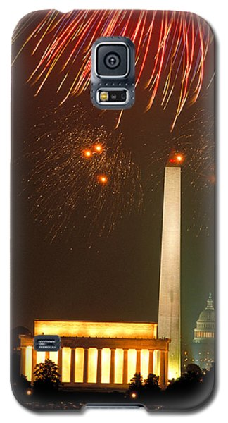 Fireworks Over Washington Dc Mall Galaxy S5 Case by Carl Purcell