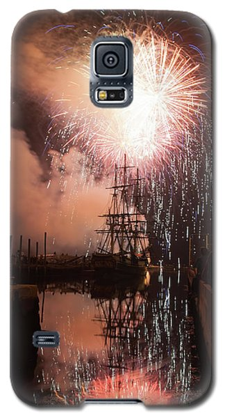 Fireworks Rain Down On Salems Friendship Galaxy S5 Case
