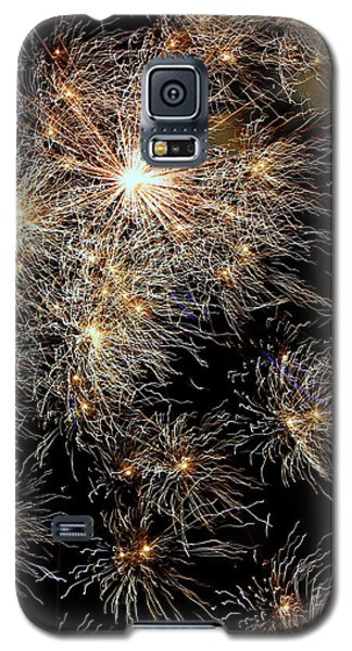 Galaxy S5 Case featuring the photograph Fireworks by Suzanne Stout