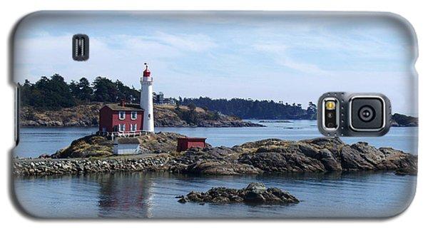 Galaxy S5 Case featuring the photograph Fisgard Lighthouse Shoreline by Marilyn Wilson