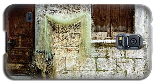 Fishing Net Hanging In The Streets Of Rovinj, Croatia Galaxy S5 Case