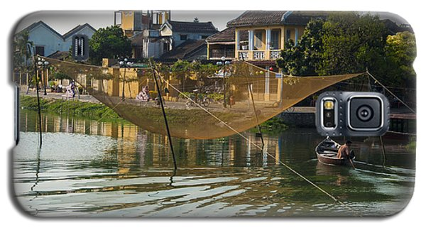 Galaxy S5 Case featuring the photograph Fishing Net In Vietnam by Rob Hemphill