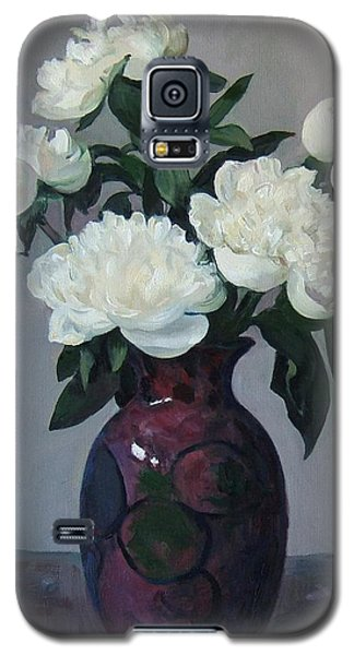 Five White Peonies In Purple Vase Galaxy S5 Case