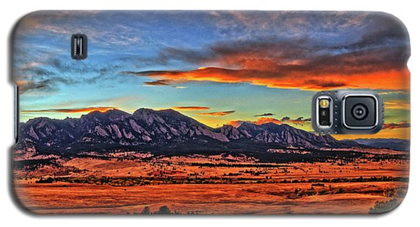 Galaxy S5 Case featuring the photograph Flatiron Sunset Fire Red by Scott Mahon