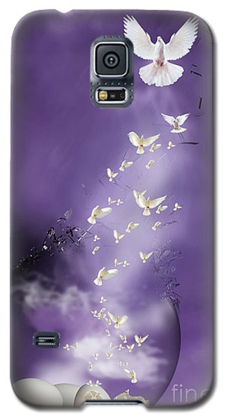 Galaxy S5 Case featuring the mixed media Flight To Freedom by Jim  Hatch
