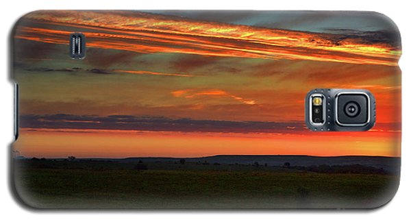 Galaxy S5 Case featuring the photograph Flint Hills Sunrise by Thomas Bomstad