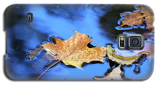 Galaxy S5 Case featuring the photograph Floating On The Reflected Sky by Doris Potter
