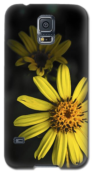 Flora In Yellow Galaxy S5 Case