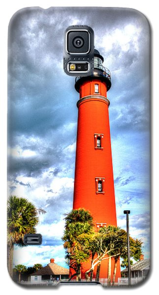 Galaxy S5 Case featuring the photograph Florida Lighthouse by William Havle